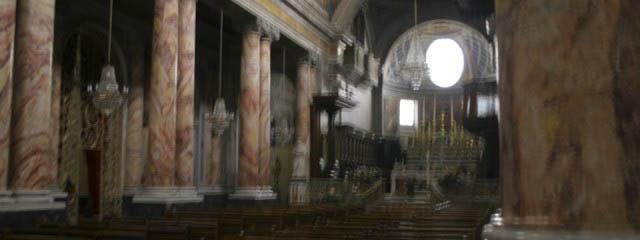 Faux marble – non-figurative church decorations
