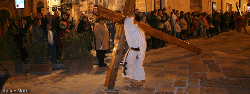 Carrying the Cross – Easter in Francavilla Fontana