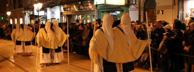 The Mysterious Easter Traditions in Taranto