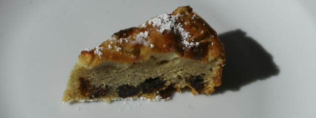 Bustrengo Polenta and apple cake