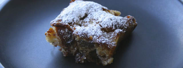 Cake with apples, walnuts and dates