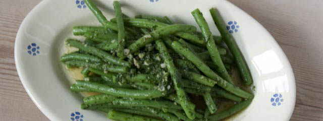 Green beans with anchovies