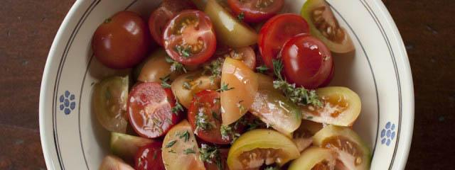 Multicoloured tomato salad