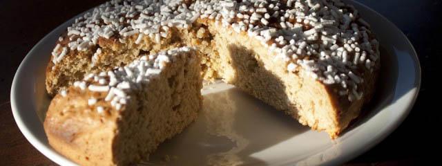 Italian Yeast Cake Recipes: Homemade Panettone Recipe