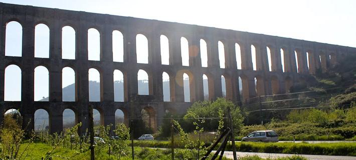 Photo of the Aqueduct of Vanvitelli