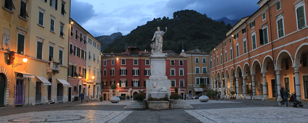 The contrasts of Carrara